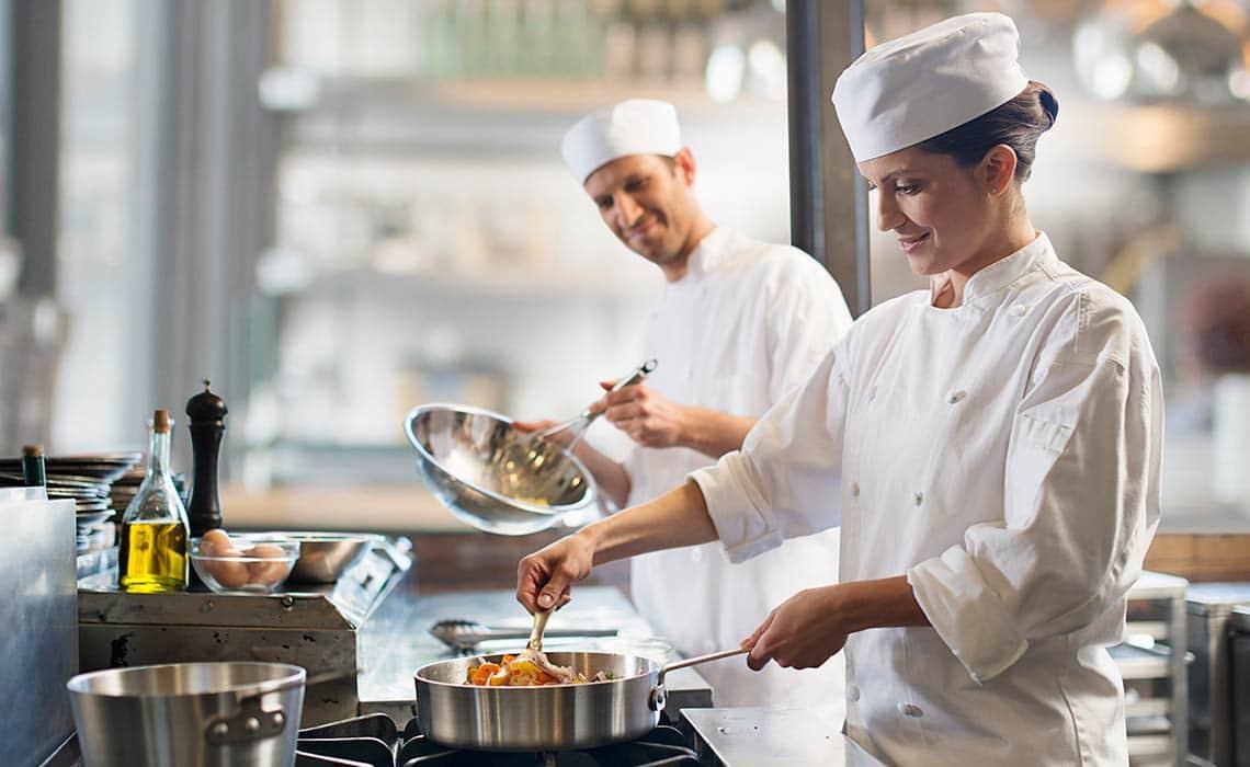 chef en la cocina